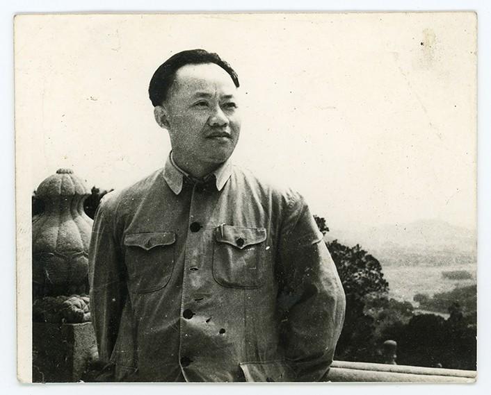 5 1950年代的胡一川(广州美术学院提供).jpg